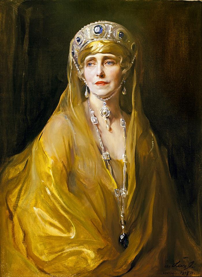 Queen_Marie_of_Romania,_née_Princess_Marie_of_Edinburgh.jpg